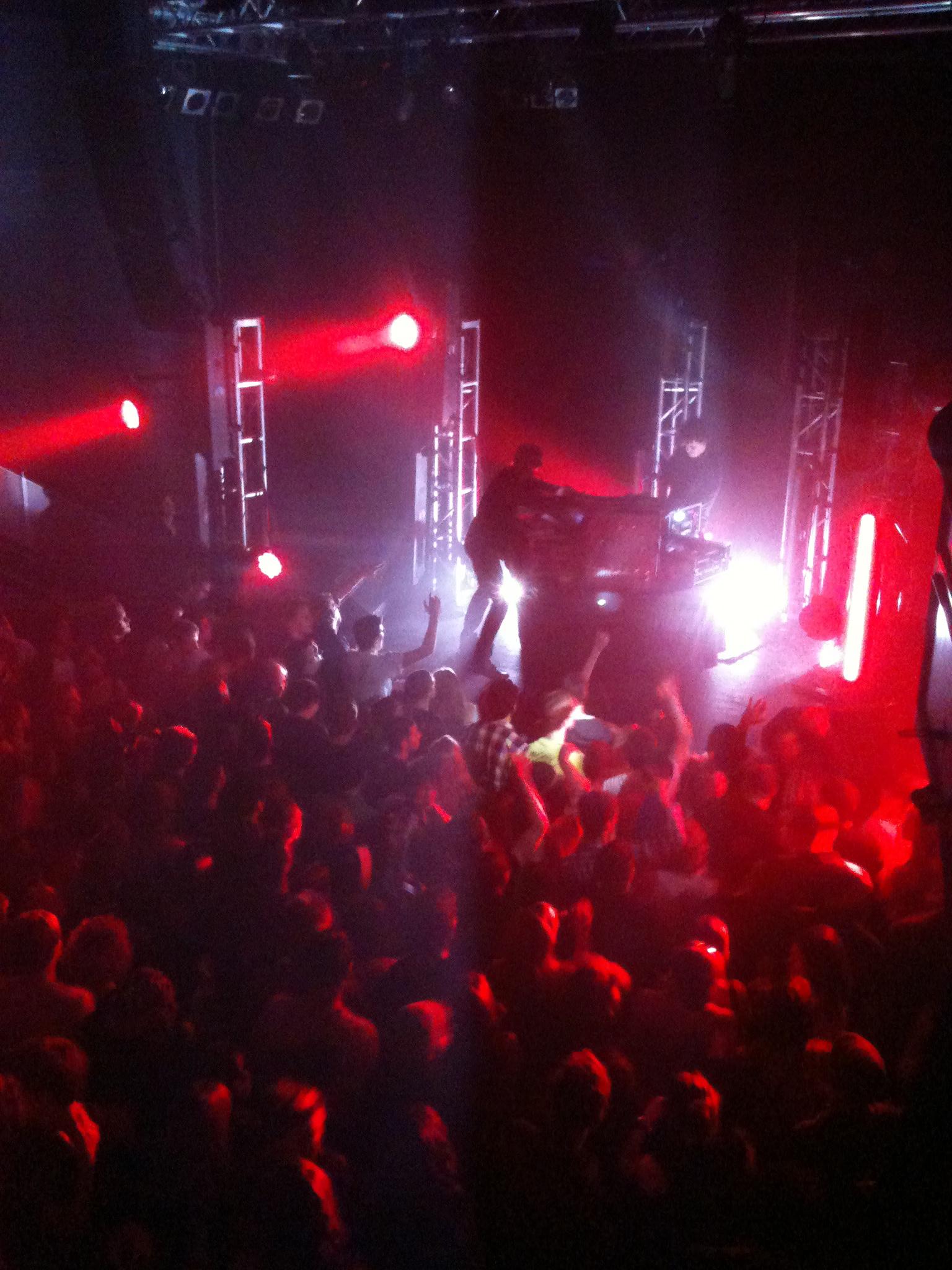 simian mobile disco synthesise lyrics