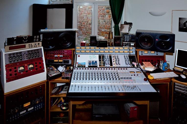 Matthew Herbert's-Studio
